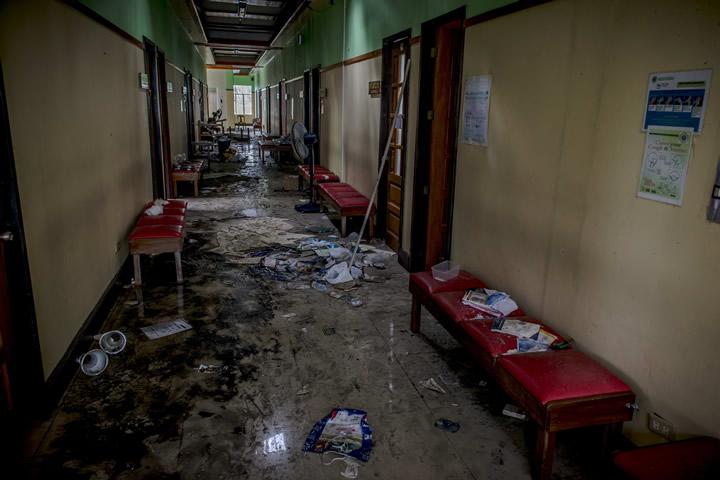 フィリピン:被災地の医療を支えるMSF仮設病院