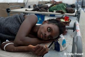 シエラレオネ・ギニア:海岸部でコレラが流行、MSFが援助拡大