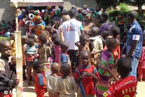 中央アフリカ共和国:子どもたち9717人に、はしかの予防接種